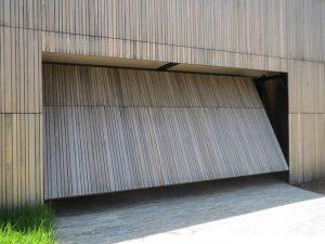 glide-up-counterbalanced-door-2