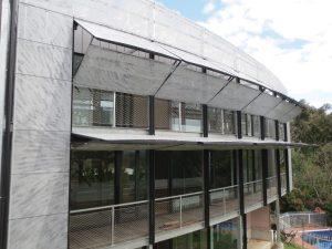 counter-balanced-folding-doors-5