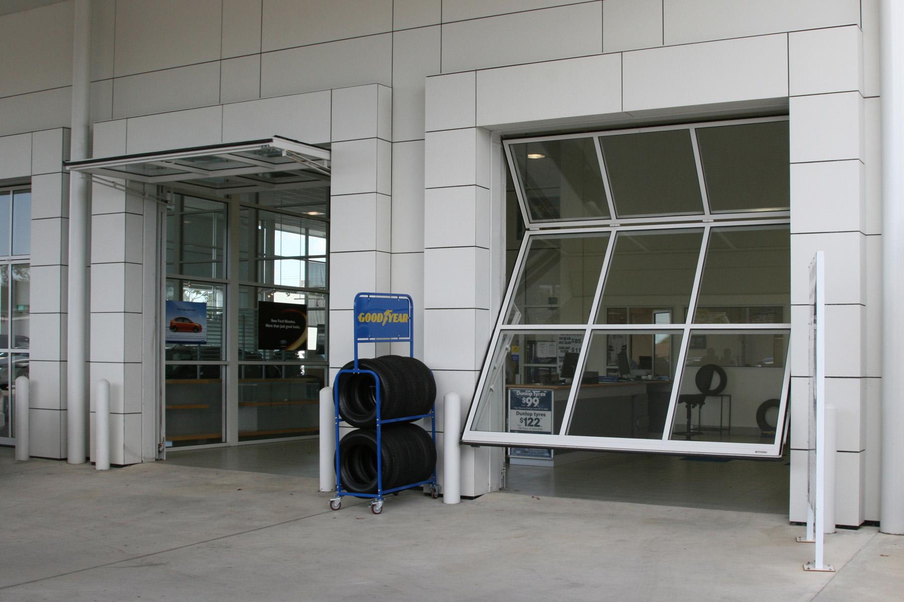 Offset fold-up door - 3rd Generation Doors